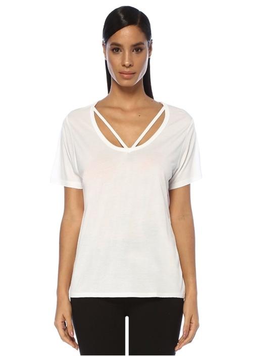 Beyaz Yakası Kesim Detaylı Basic T-shirt