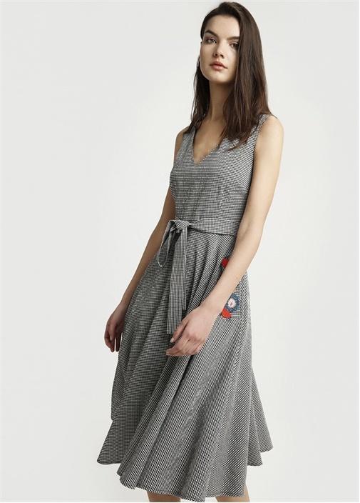 Siyah V Yaka Midi Elbise