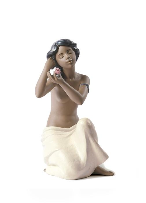 Çiçekli Kız Biblo