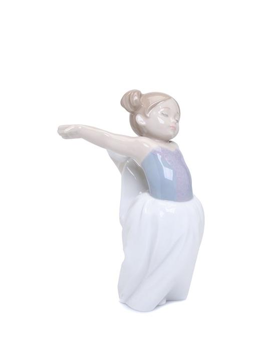 Sahneye Çıkış Kadın Formlu Porselen Biblo