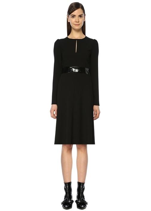 Siyah Rugan Kemerli Dekolte Detaylı Midi Elbise