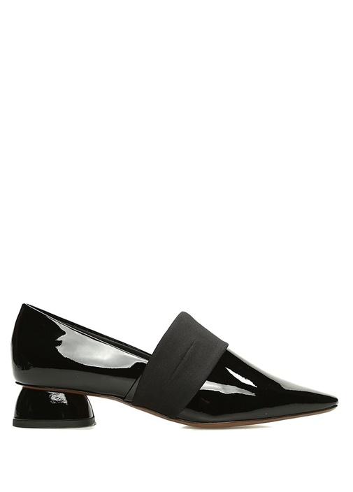 Siyah Topuk Detaylı Kadın Rugan Ayakkabı