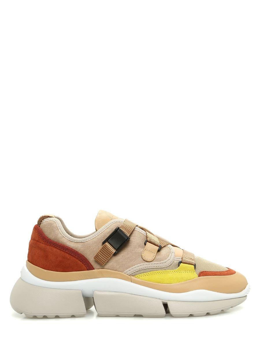 Modern Kadınlar için Kışlık Fendi Ayakkabı Modelleri