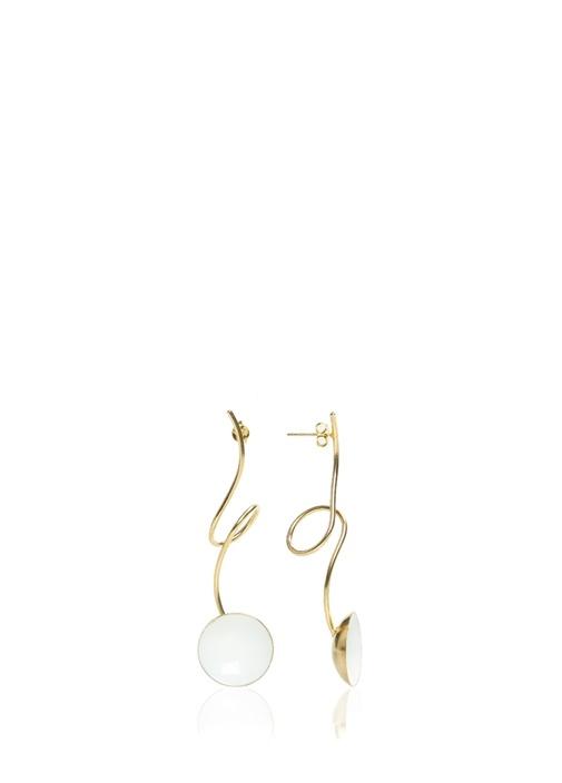 Beyaz Yuvarlak Formlu Gold Kordonlu Kadın Küpe