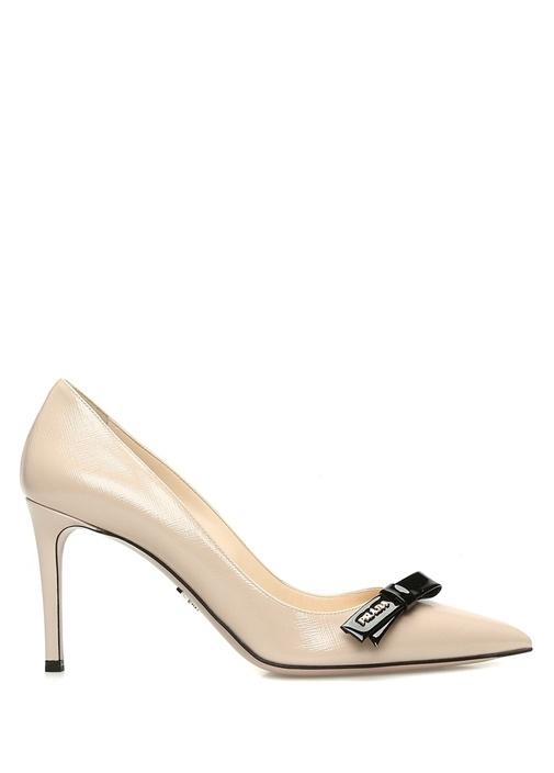 Bej Fiyonk Detaylı Deri Topuklu Ayakkabı