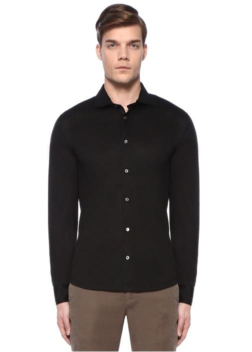 Siyah Kesik Yaka Yün Gömlek