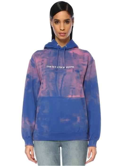 Mavi Kapüşonlu Batik Desenli Yazılı Sweatshirt