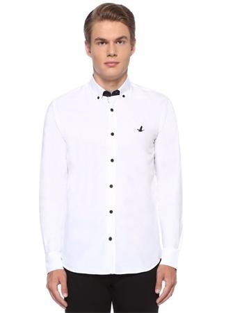 Slim Fit Beyaz Düğmeli Yaka Sloganlı Gömlek