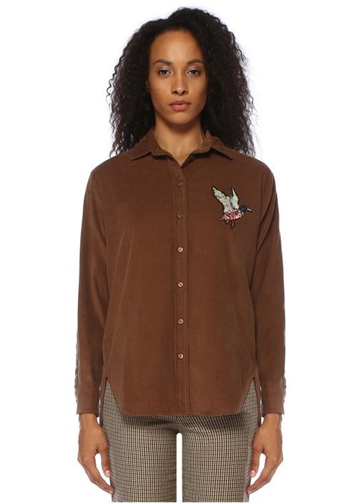 Kahverengi Göğsü İşleme Detaylı Kadife Gömlek