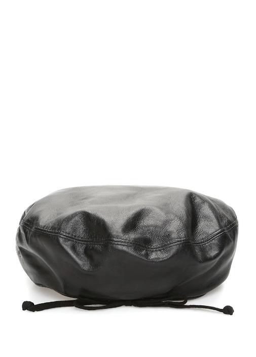 Siyah Bağcık Detaylı Kadın Deri Şapka