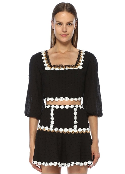 Siyah Çiçek Aplike Detaylı Crop Bluz