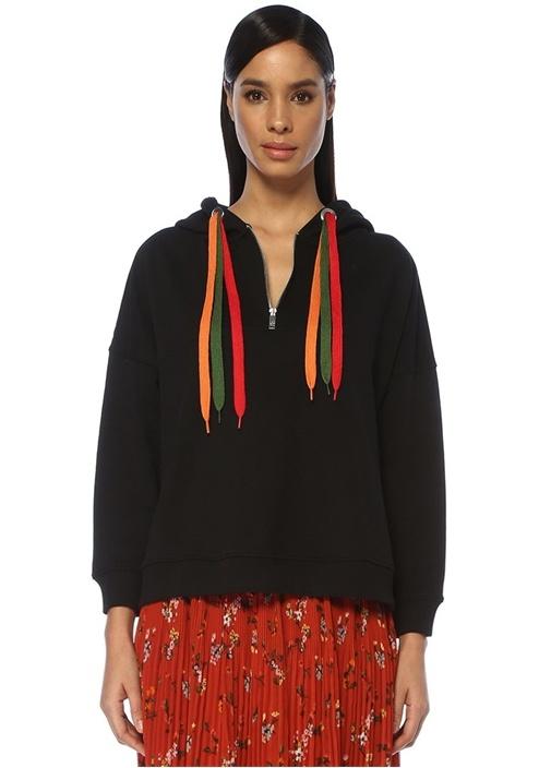 Siyah Kapüşonlu Renkli Bağcıklı Sweatshirt