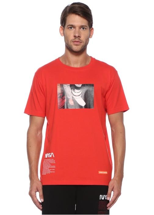 Kırmızı Baskılı T-shirt