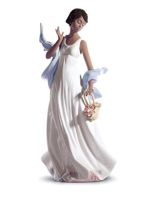 Romantik Rüzgarlar Kadın Formlu Porselen Obje