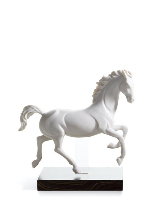 Beyaz Dörtnala At Formlu porselen Dekoratif Obje