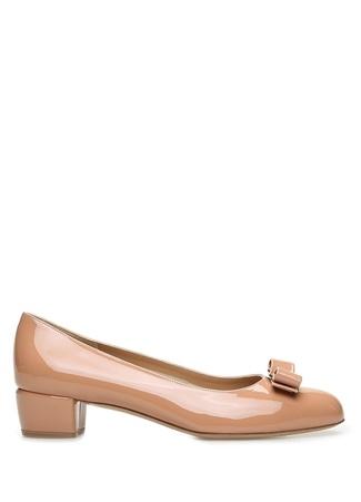 SALVATORE FERRAGAMO Kadın Vara Nude Fiyonk Detaylı Deri Topuklu Ayakkabı Pembe 9.5 US female