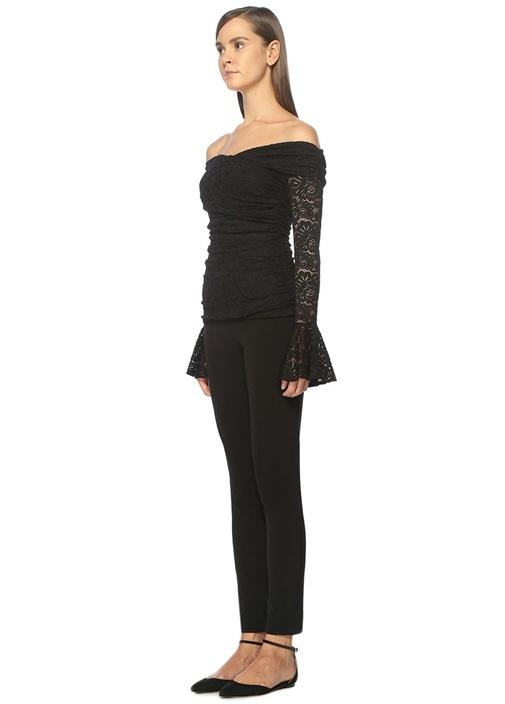 Siyah Kolları Volanlı Bluz