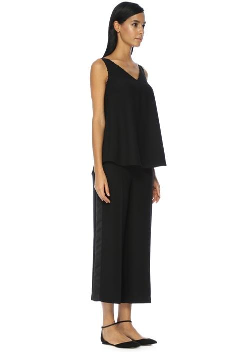 V Yaka Yakası Boncuklu Siyah Bluz