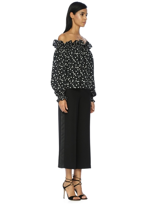Açık Omuzlu Kiraz Desenli Siyah Bluz