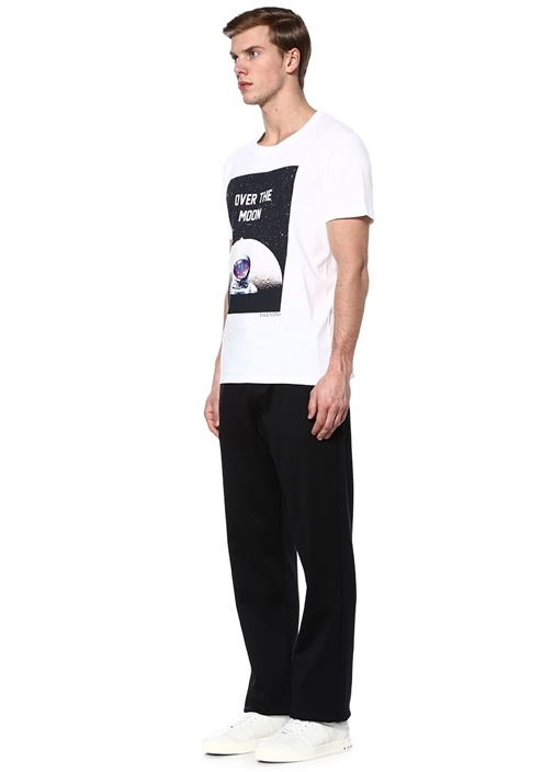 Beyaz Bisiklet Yaka Astronot Baskılı T-shirt