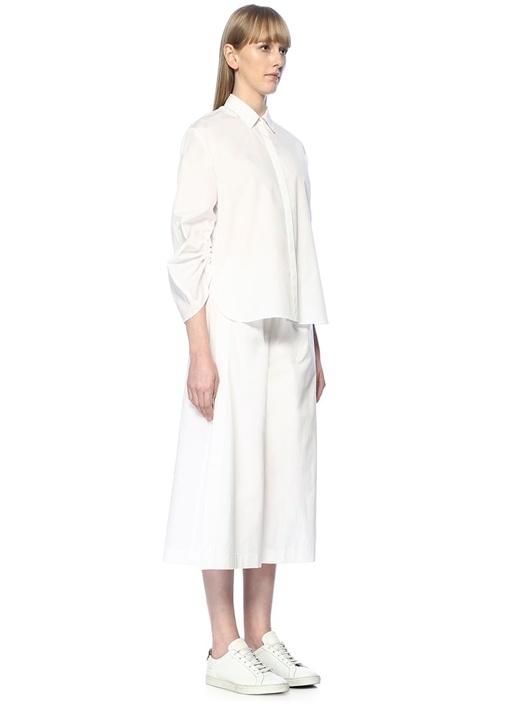 Beyaz Yırtmaç Detaylı Pantolon