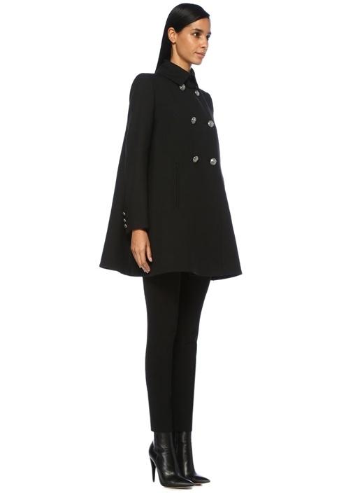 Siyah Düğmeli Sırtı Pile Detaylı Yün Palto