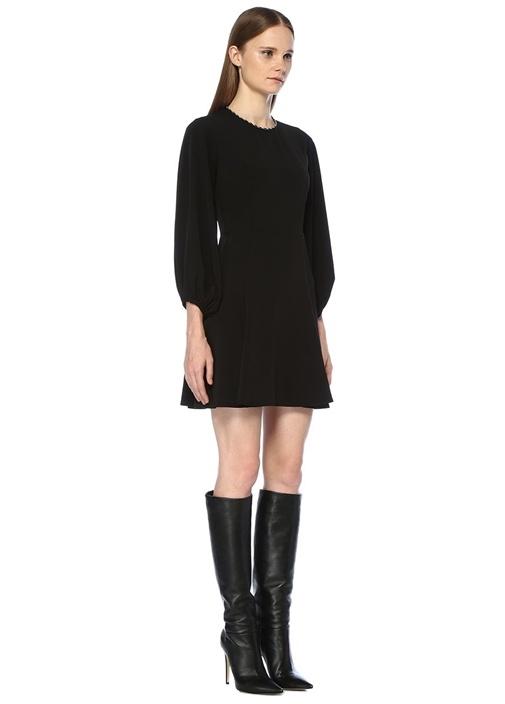 Siyah Yakası Zincirli Balon Kol Mini Krep Elbise