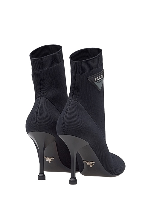 Siyah Çorap Formlu Logolu Kadın Bot