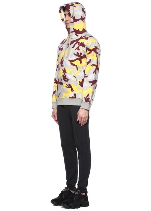 Gri Kapüşonlu Kamuflaj Desenli Sweatshirt