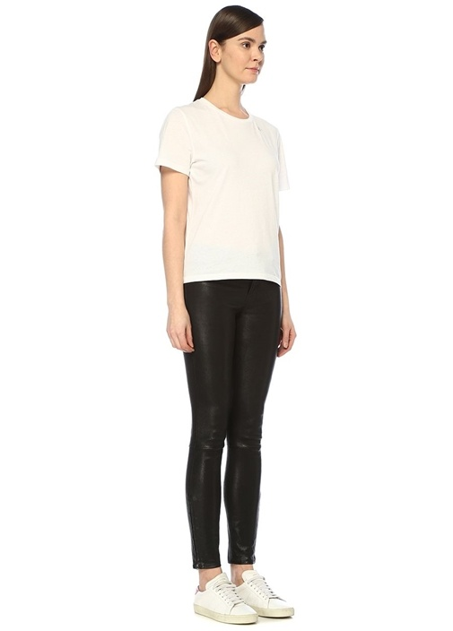Beyaz Baskı Detaylı Basic T-shirt