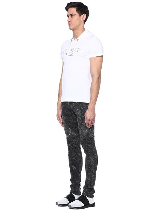 Beyaz Kapüşonlu Logolu Basic T-shirt