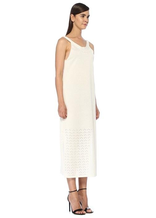 Beyaz Delikli Yırtmaç Detaylı Midi Triko Elbise