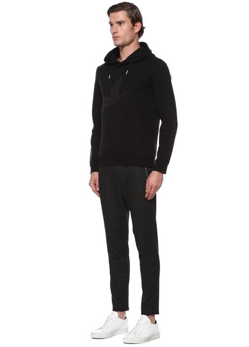 Siyah Kapüşonlu Kabartmalı Logolu Sweatshirt