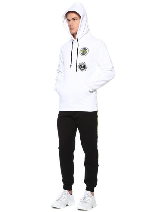 Beyaz Kapüşonlu Logo Nakışlı Sweatshirt
