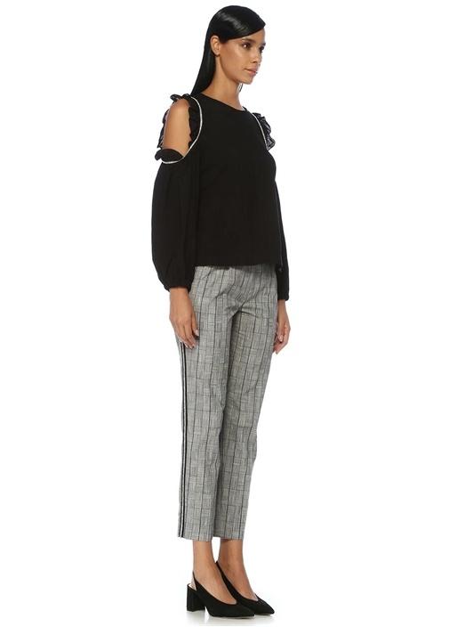 Siyah Omzu Açık Sıra Taş Detaylı Fırfırlı Bluz