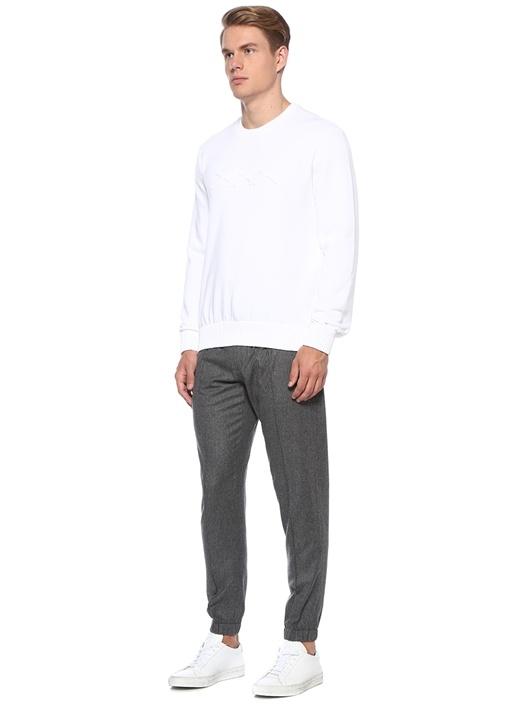 Beyaz Kabartmalı Logolu Sweatshirt