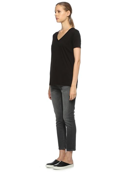 Siyah Standart Fit V Yaka Basic Tshirt