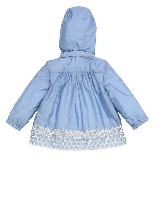 Mavi Kapüşonlu Nakış Detaylı Kız Bebek Mont