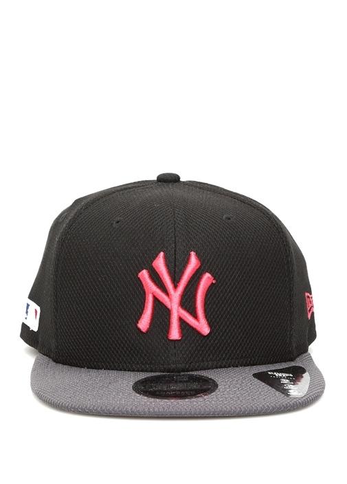 Siyah Pembe Nakışlı Erkek Şapka