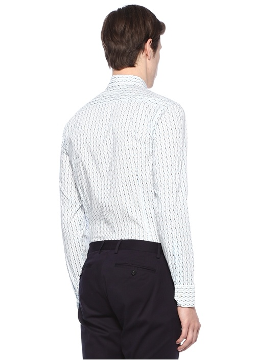 Beyaz İngiliz Yaka Kıvrım Desenli Gömlek