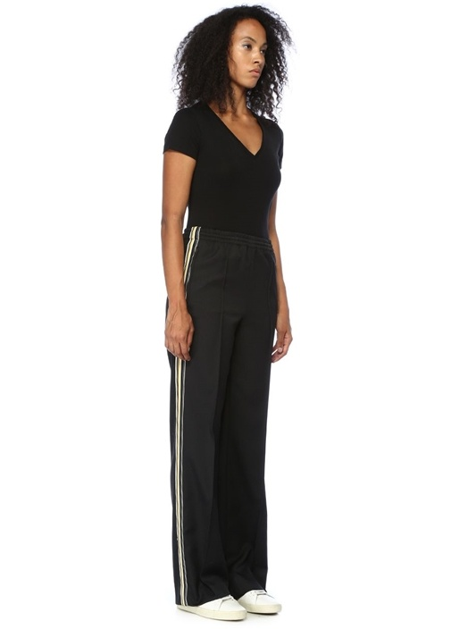 Siyah Yanları Şeritli Boru Paça Pantolon