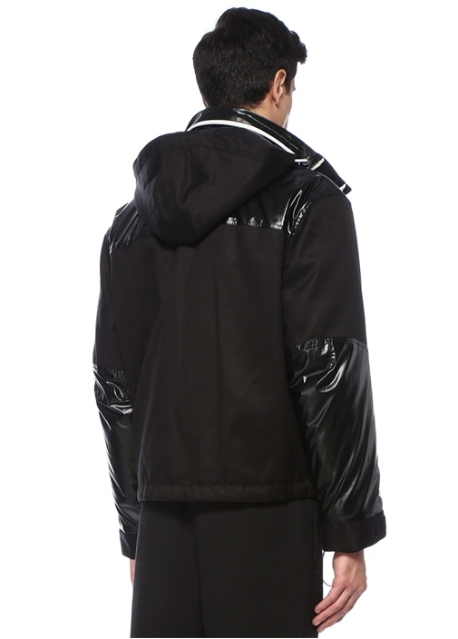 Siyah Kapüşonlu Logolu Garnili Mont