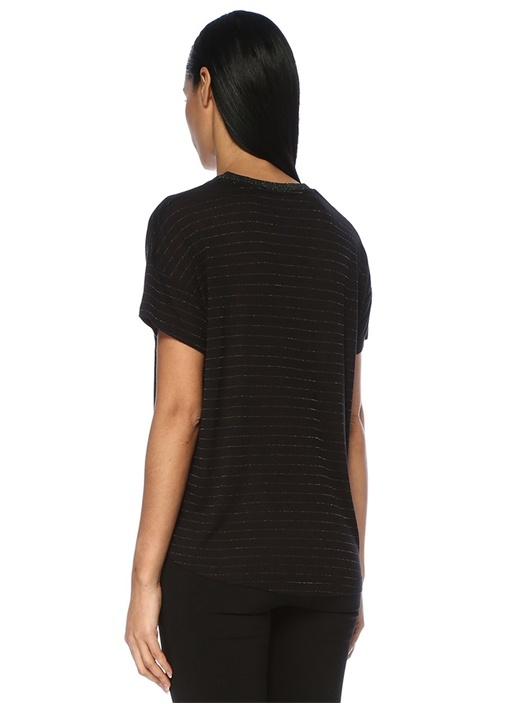 Siyah V Yaka Simli Çizgili Yakası RibliT-shirt