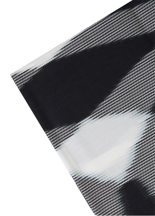 Veruska Siyah Beyaz Desenli Nevresim Takımı