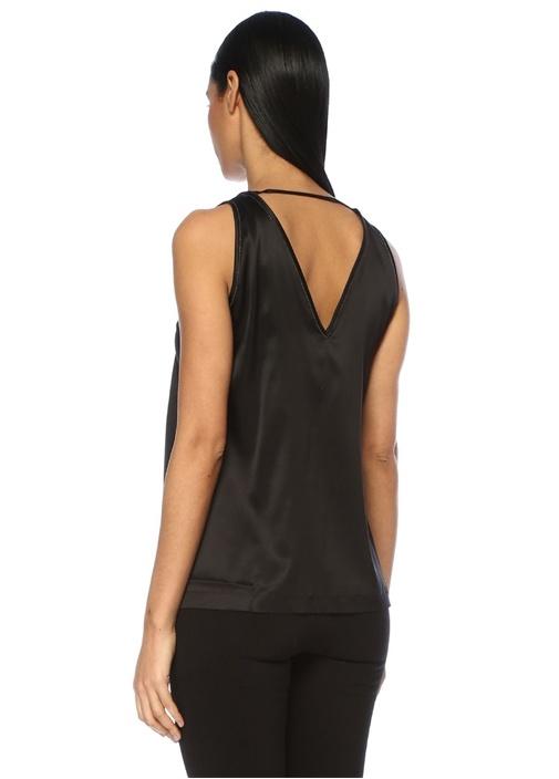 Siyah V Yaka Zincir Şeritli İpek Saten Bluz