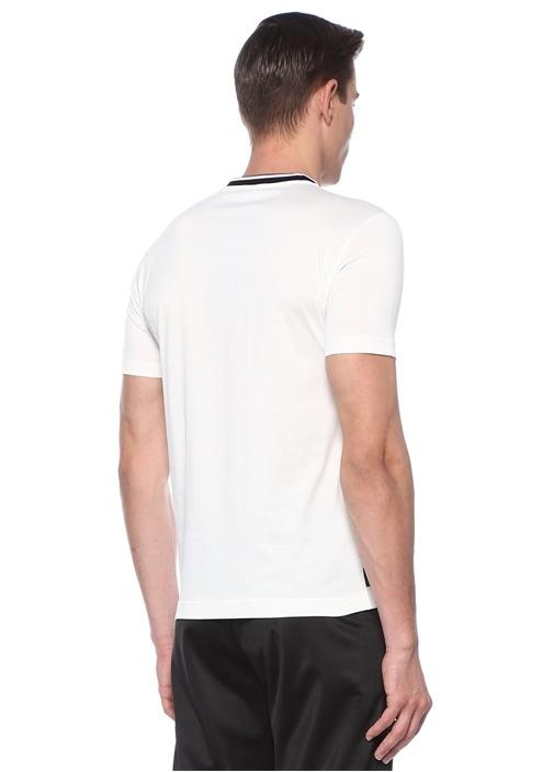 Beyaz Siyah Logolu Çiçek Baskılı T-shirt