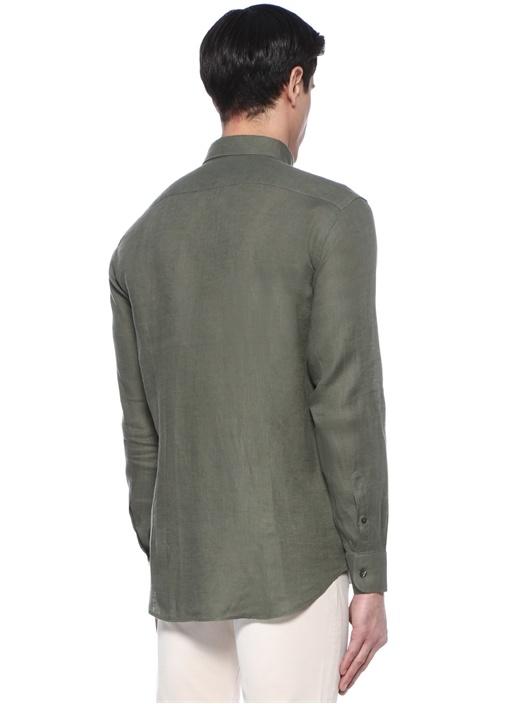 Yeşil Düğmeli Yaka Logolu Keten Gömlek