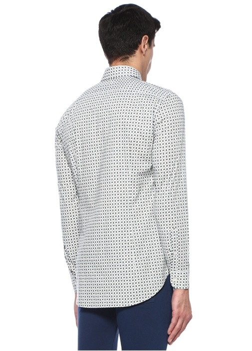 Beyaz Düğmeli Yaka Geometrik Desenli Gömlek