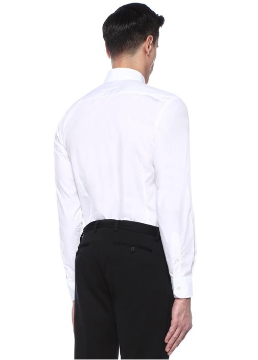 Beyaz Logo Nakışlı Düğmeli Yaka Gömlek