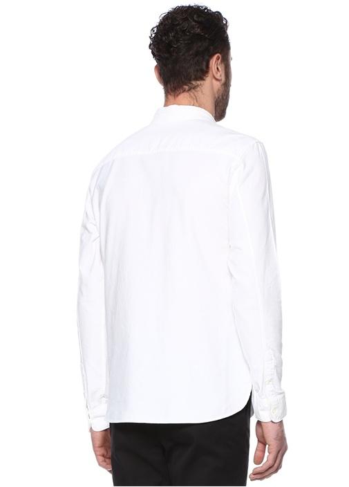 Beyaz Dik Yaka Logo Nakışlı Gömlek
